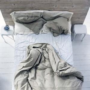 Aufgeschlagenes Bett