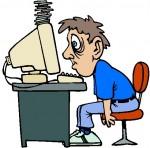 Deprimierter Mann vor Rechner